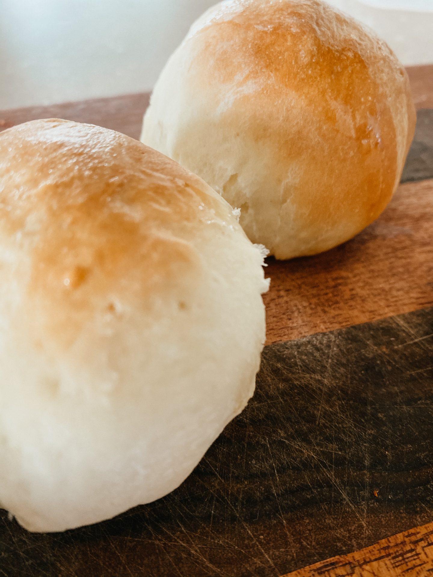 fresh dinner rolls