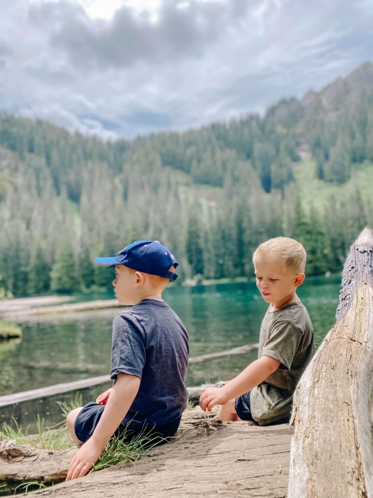 best-kid-friendly-hikes-near-rainier