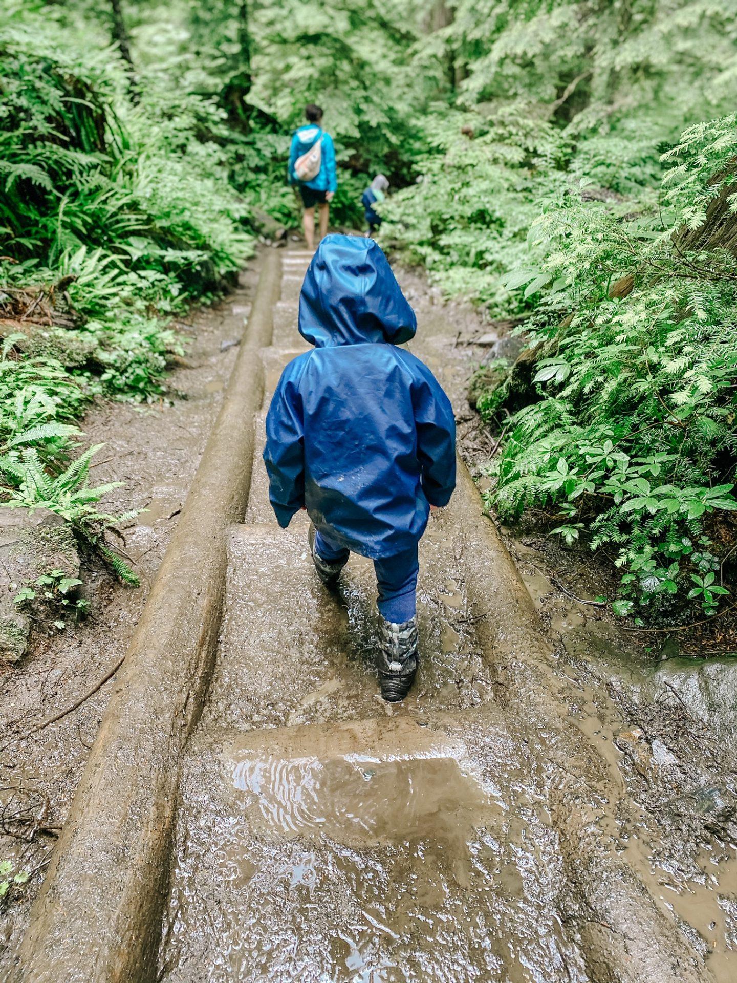 can kids hike lake 22