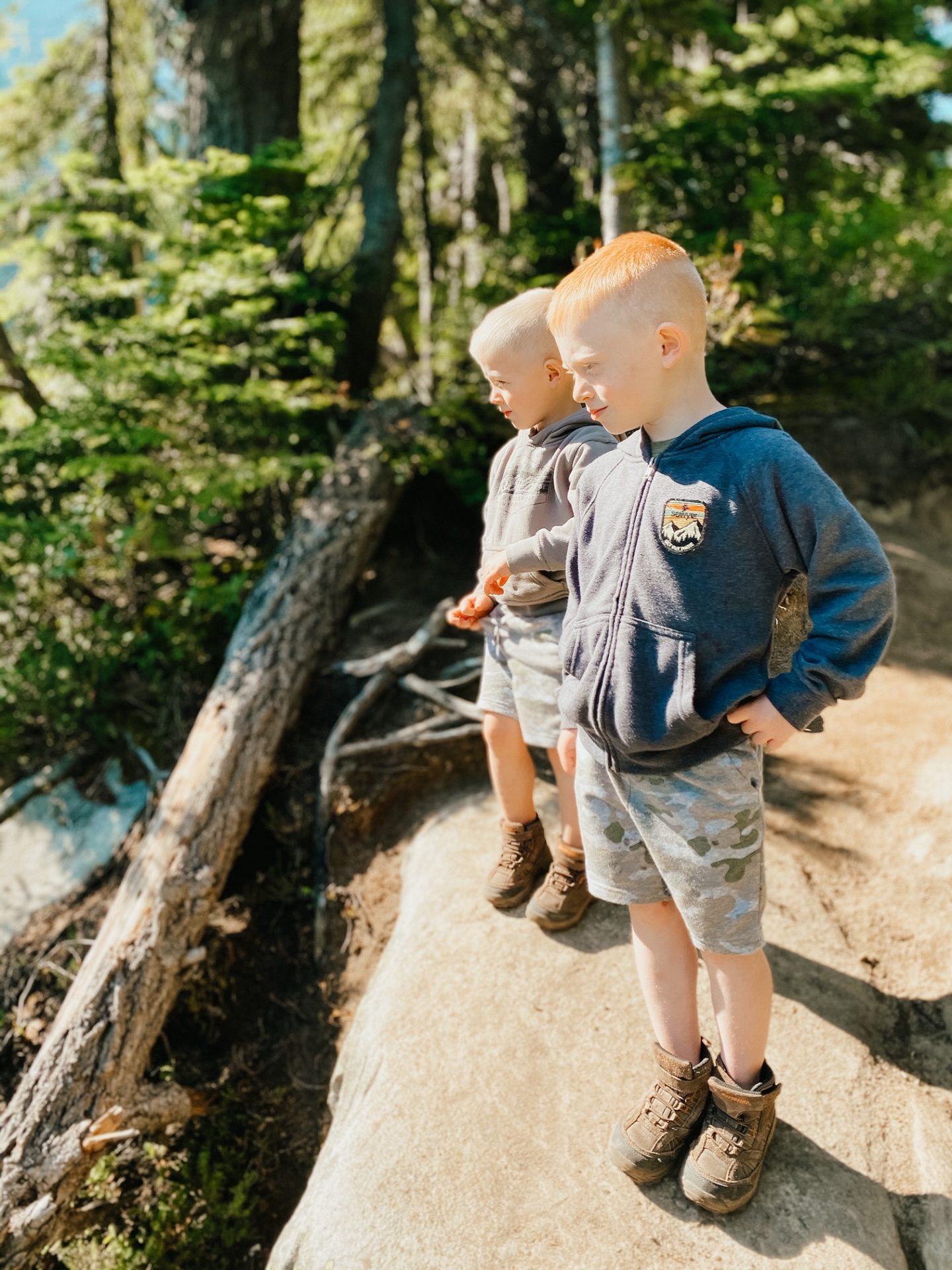 kids hiking near rainier