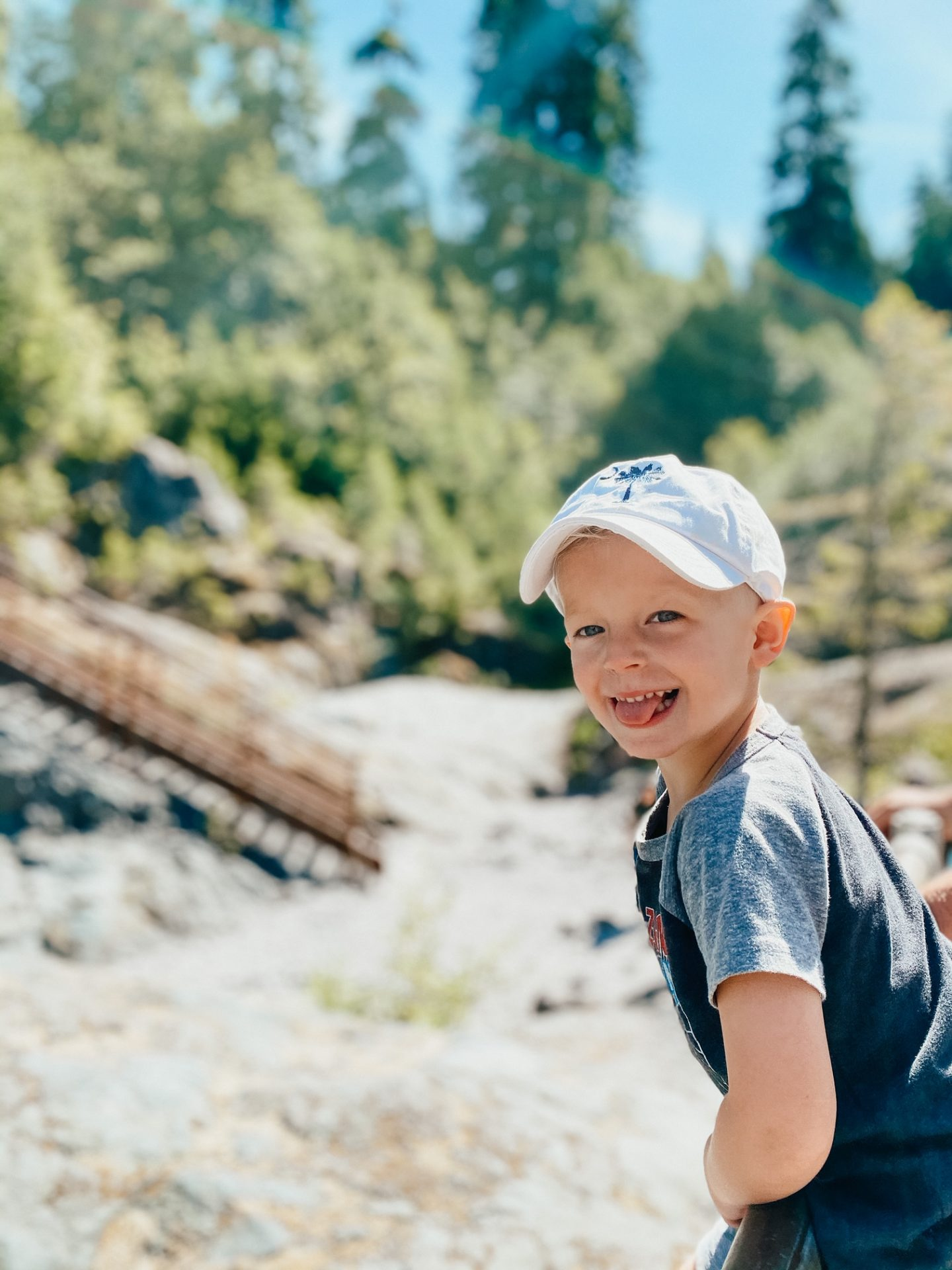 kids hiking cougar wa