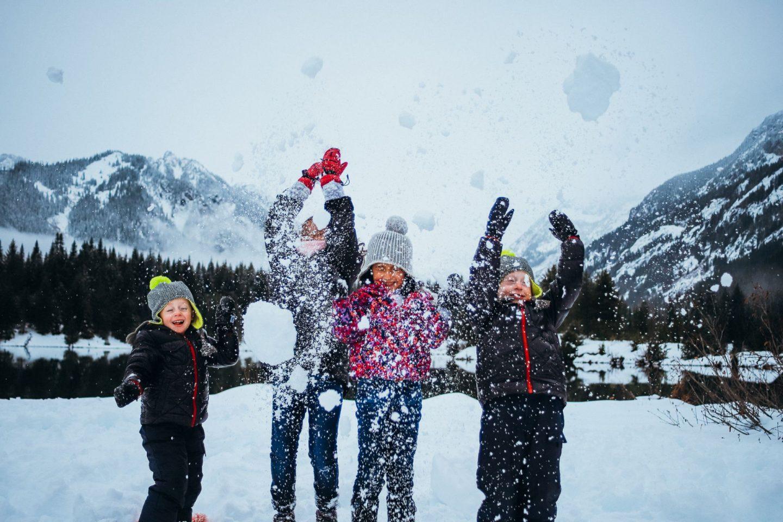 snow photos with kids