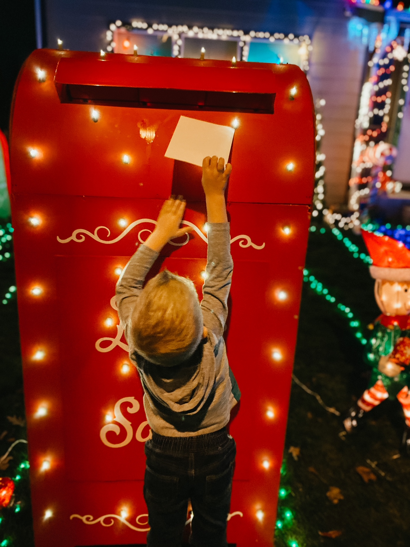 mailing christmas letters