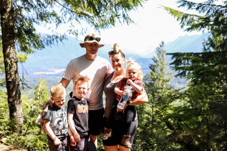 hiking cendar butte trail