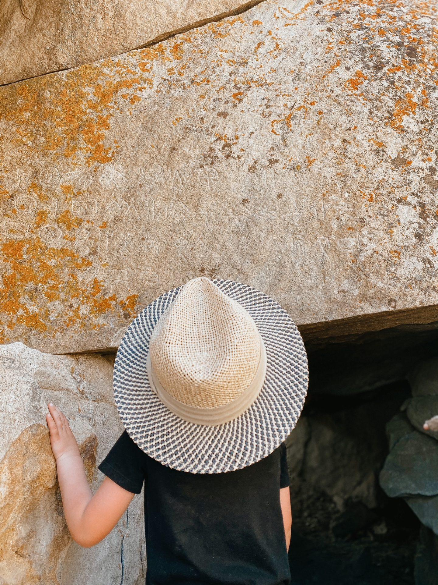 petroglyph cave cedar city