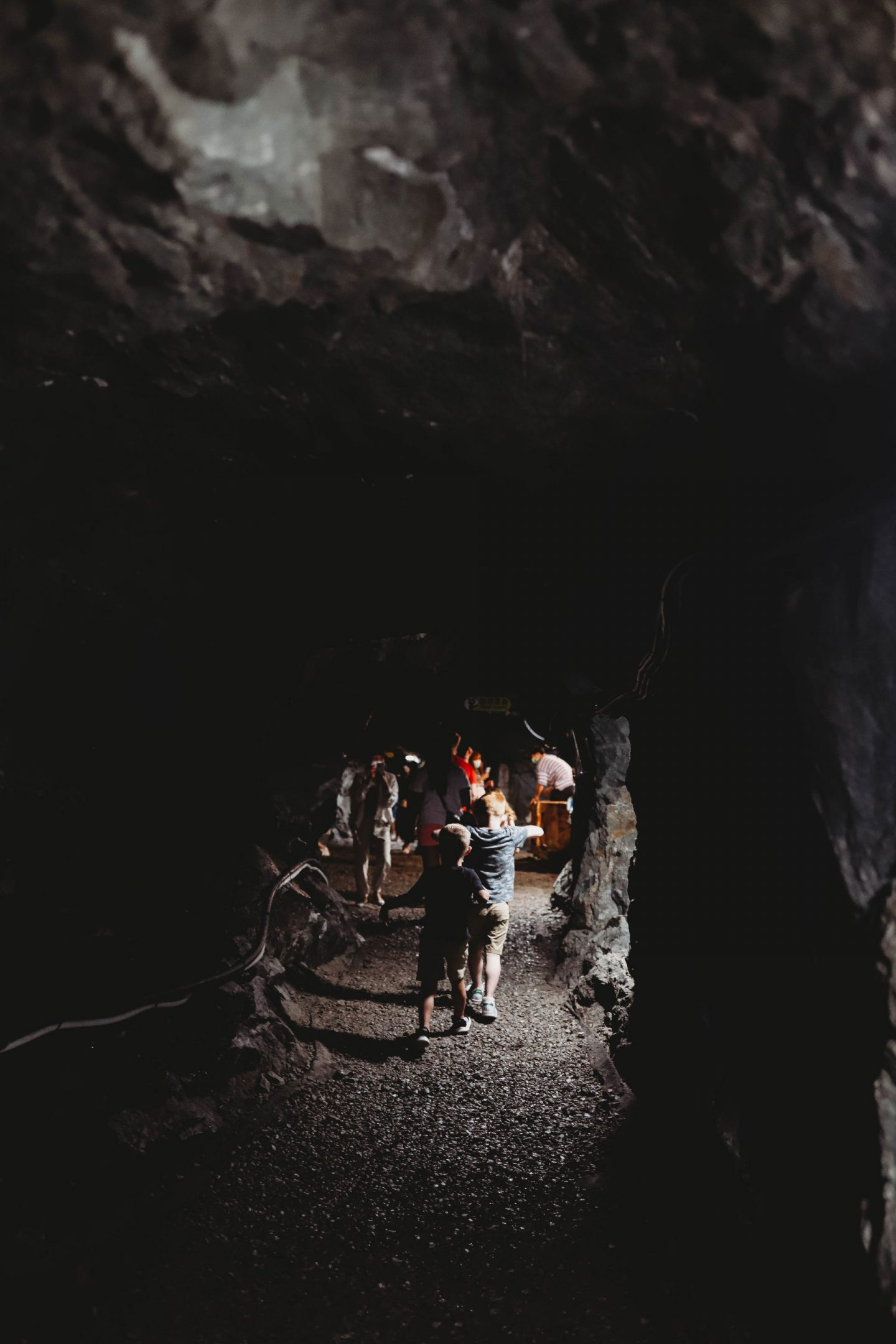 kids in gwangmyeong cave