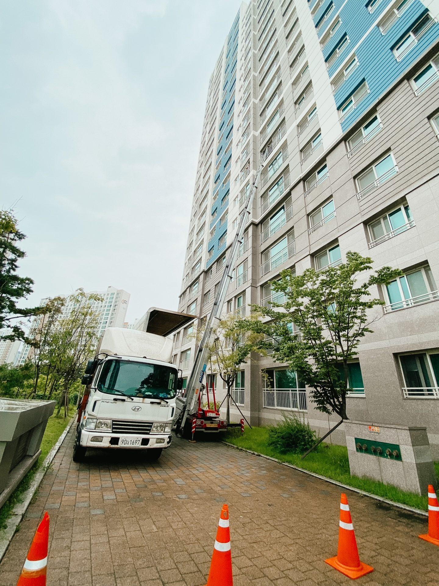 how do you move furniture high rise korea