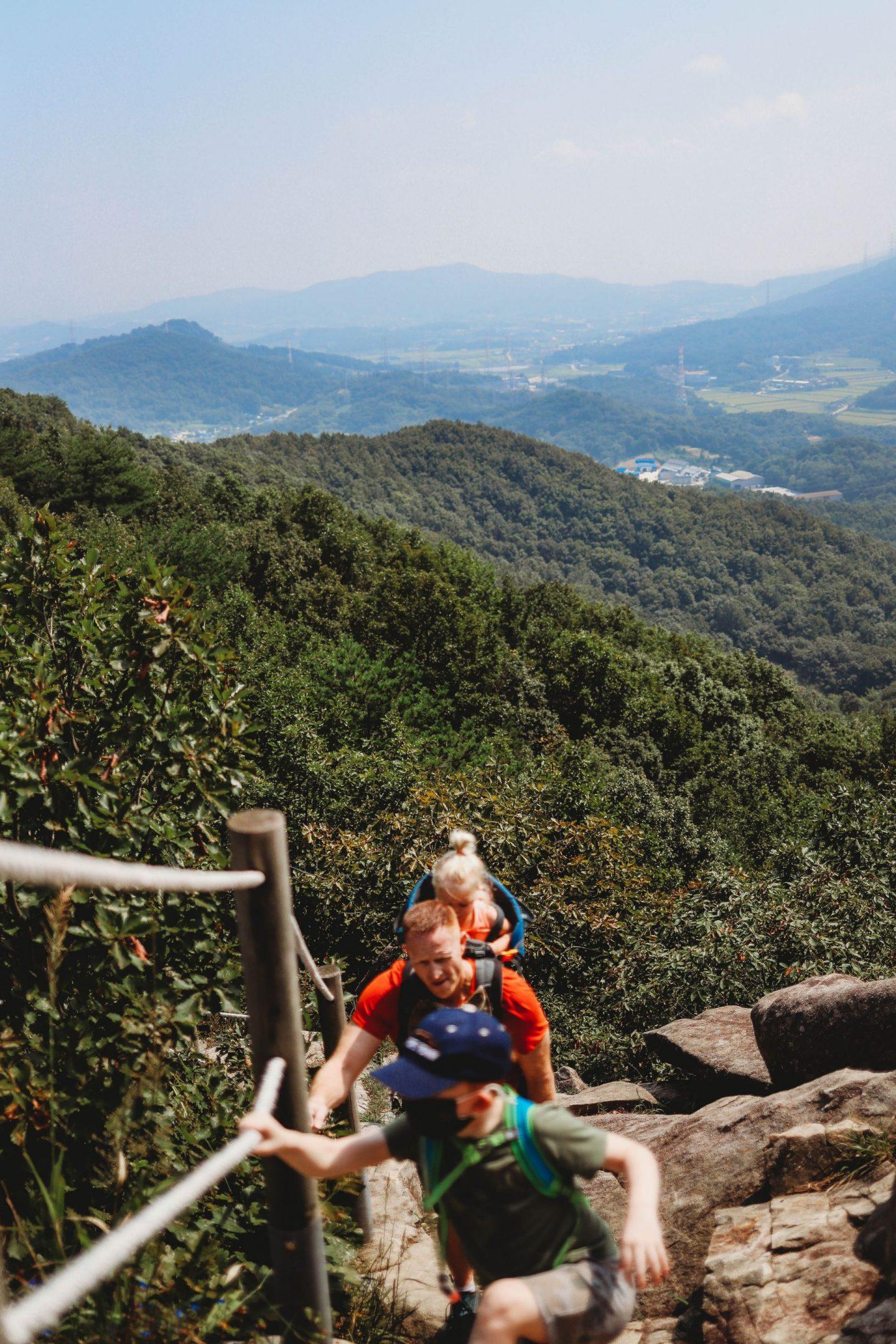 pinnacle four trail asan south korea